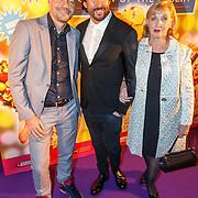NLD/Amsterdam20151111 - Premiere Priscilla, Queen of the Desert, Mari van der Ven, partner Lucien en ................