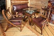 """Fotele i stolik, wnętrze willi """"Koliba"""", Zakopane"""