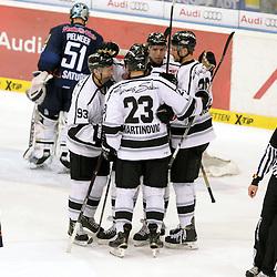 Torjubel zum 2:1 durch 8 Marco Nowak (Spieler Thomas Sabo Ice Tigers) <br /> auf dem Bild 23 Sasa Martinovic (Spieler Thomas Sabo Ice Tigers), 93 Leonhard Pfoederl (Spieler Thomas Sabo Ice Tigers), und 39 David Steckel beim Spiel in der DEL, ERC Ingolstadt (blau) - Nuenrberg Ice Tigers (weiss).<br /> <br /> Foto © PIX-Sportfotos *** Foto ist honorarpflichtig! *** Auf Anfrage in hoeherer Qualitaet/Aufloesung. Belegexemplar erbeten. Veroeffentlichung ausschliesslich fuer journalistisch-publizistische Zwecke. For editorial use only.