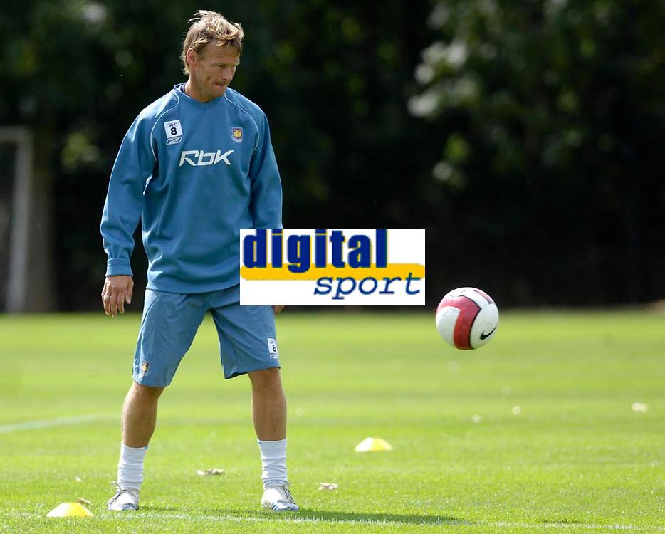 Photo: Daniel Hambury.<br /> West Ham United Media Day. 10/08/2006.<br /> Teddy Sheringham pictured during training.