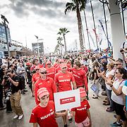 © Maria Muina I MAPFRE. Desfile de tripulaciones de la salida de la etapa 1: Alicante-Lisboa. Sailors parade for the start of leg 1: Alicante-Lisbon.