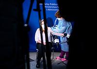 Bialystok, 27.12.2020. Pierwsze w wojewodztwie podlaskim szczepienie personelu medycznego przeciwko COVID-19 w Szpitalu MSWiA. N/z pierwsze szczepienie przeciwko COVID-19 na Podlasiu cieszylo sie duzym zainteresowaniem mediow lokalnych fot Michal Kosc / AGENCJA WSCHOD