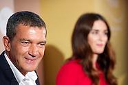 091013 Antonio Banderas and Paz Vega Her golden secret