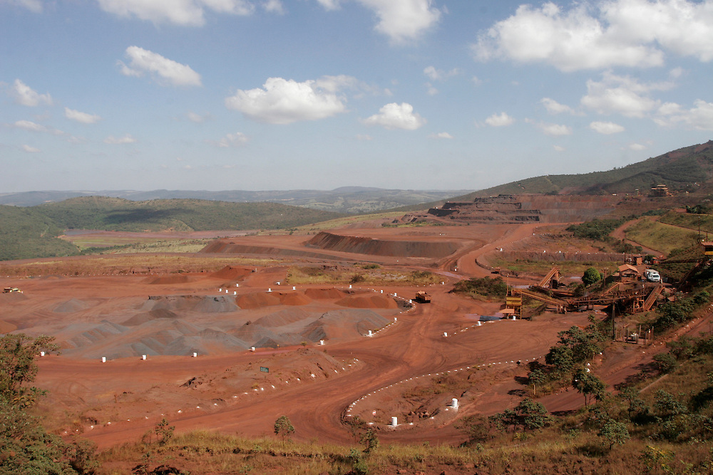 Itatiaiucu_MG, Brasil.<br /> <br /> Mineracao em Itatiaiucu, Minas Gerais.<br /> <br /> Mining in Itatiaiucu, Minas Gerais.<br /> <br /> Foto: MARCUS DESIMONI / NITRO