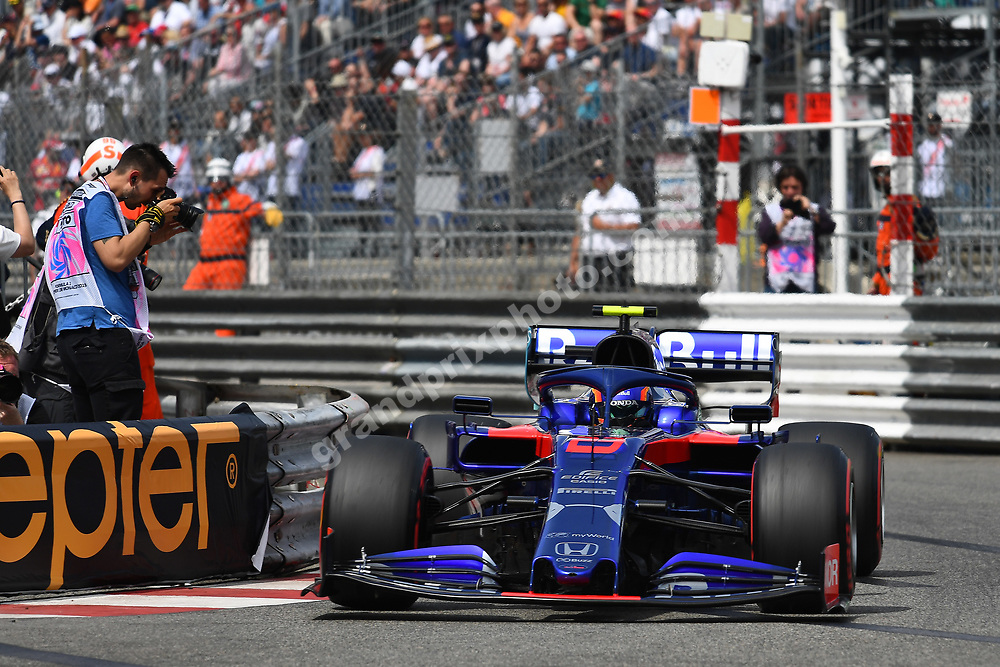 Alexander Albon (Toro Rosso-Honda) and photographer during qualifying before the 2019 Monaco Grand Prix. Photo: Grand Prix Photo