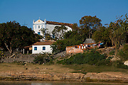 Pedras de Maria da Cruz_MG, Brasil...Comunidade ribeirinha do Rio Sao Francisco, Pedras de Maria da Cruz, Minas Gerais...The community near the Rio Sao Francisco river, Pedras de Maria da Cruz, Minas Gerais...Foto: LEO DRUMOND /  NITRO