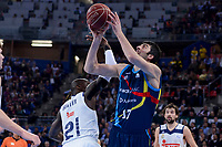 Real Madrid's Othello Hunter and Morabanc Andorra's Giorgi Shermadini during Quarter Finals match of 2017 King's Cup at Fernando Buesa Arena in Vitoria, Spain. February 16, 2017. (ALTERPHOTOS/BorjaB.Hojas)