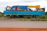 Areado_MG, Brasil...Caminhao de um parque abandonado em Areado...A abandoned park truck in Areado. ..Foto: LEO DRUMOND / NITRO