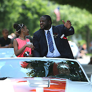 CANASTOTA, NY - JUNE 14: Inductee Riddick Bowe waves to the crowd during the parade at the International Boxing Hall of Fame induction Weekend of Champions events on June 14, 2015 in Canastota, New York. (Photo by Alex Menendez/Getty Images) *** Local Caption *** Riddick Bowe