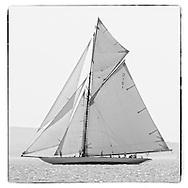 Mariquita racing on the Solent