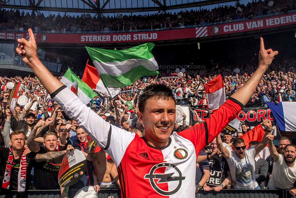 14-05-2017 NED: Kampioenswedstrijd Feyenoord - Heracles Almelo, Rotterdam<br /> In een uitverkochte Kuip pakt Feyenoord met een 3-1 overwinning het landskampioenschap / Steven Berghuis #19