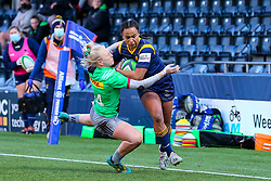 Jade Shekells of Worcester Warriors Women has her dash towards the try line halted by Heather Cowell of Harlequins Women  - Mandatory by-line: Nick Browning/JMP - 20/12/2020 - RUGBY - Sixways Stadium - Worcester, England - Worcester Warriors Women v Harlequins Women - Allianz Premier 15s