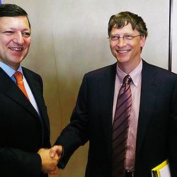 Belgium - Brussels - 09 November 2006 - Microsoft Corp. chairman and co-founder Bill Gates, right, shakes hands with European Commission President Jose Manuel Barroso during a meeting at EU headquarters in Brussels. Gates is in Brussels to attend an innovation conference. © Scorpix / P.Mascart.