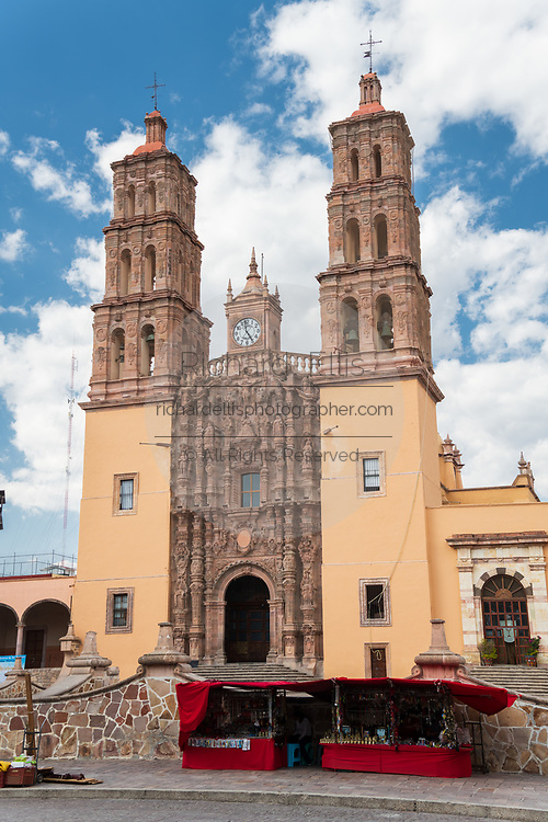 Parroquia Nuestra Señora de Dolores Catholic Church in English the Church of our Lady of Sorrows in the Plaza Principal in Dolores Hidalgo, Guanajuato, Mexico. Miguel Hildago was a parish priest who issued the now world famous Grito - a call to arms for Mexican independence from Spain.