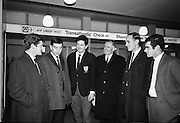 Irish Rugby Football Union, Irish team departs for Paris, 25th January 1968, 25.1.68, 1.25.68,