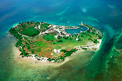 lighthouse, harbor and recreational facilities at Boca Chita Key and Lewis Cut ( channel ), Biscayne National Park, Florida, USA, Atlantic Ocean