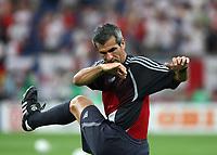 Photo: Chris Ratcliffe.<br /> England v Portugal. Quarter Finals, FIFA World Cup 2006. 01/07/2006.<br /> Referee Horatio Elizondo.