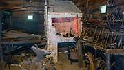 Dobczyce, 2020-05-09. Skansen Drewnianego Budownictwa Ludowego wDobczycach - kuźnia. . Skansen znajduje się przy samym zamku i biegnie tędySzlak Architektury DrewnianejwMałopolsce.