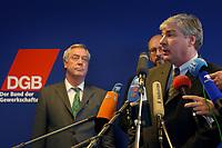 05 MAR 2002, BERLIN/GERMANY:<br /> Dieter Schulte (L), Vorsitzende des DBG, und Michael Sommer (vorn), Stellv. Vorsitzender der Gewerkschaft ver.di, waehrend einer Pressekonferenz zur bekanntgabe seiner Kandidatur als Vorsitzender des Deuschen Gewerkschaftsbundes, DGB<br /> IMAGE: 20020305-01-002<br /> KEYWORDS: Mikrofon, microphone