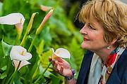 Brenda Blethyn on the Burncoose Nurseries Stand - RHS Chelsea Flower Show, Chelsea Hospital, London UK, 18 May 2015.