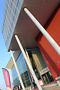 Prinses Beatrix en Prinses Mabel bij de uitreiking van De Prins Friso Ingenieursprijs 2016 in hogeschool InHolland in Delft, de stad waar prins Friso lucht-en ruimtevaarttechniek <br /> <br /> Princess Beatrix and Princess Mabel at the presentation of Prince Friso Engineers Price 2016 college InHolland in Delft, the city where Prince Friso aerospace engineering<br /> <br /> Op de foto / On the photo:  InHolland