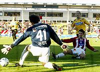 Fotball, 24. september 2005, Tippeligaen, Lillestrøm - Tromsø 1-2, <br /> Her scorer Lars Iver Strand , Tromsø , bak Pål Strand