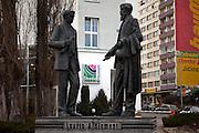 Die Skulpturen von den Skoda Gruendern Vaclav Klement und Vaclav Laurin vor dem Skoda Automuseum in Mlada Boleslav. Mlada Boleslav liegt noerdlich von Prag und ist ungefaehr 60 Kilometer von der tschechischen Haupstadt entfernt. Skoda Auto beschäftigt in Tschechien 23.976 Mitarbeiter (Stand 2006), den Grossteil davon in der Zentrale in Mlada Boleslav. Damit sind mehr als 3/4 aller Erwerbstätigen der Stadt in dem Automobilkonzern tätig.<br /> <br />                                           Skoda founders Vaclav Laurin and Vaclav Klement infront of the Skoda car mueum in the city of Mlada Boleslav. The city is located north of Prague and about 60 km away from the Czech capital. Skoda Auto has about 23.976 employees (2006) in Czech Republic and a big part of them is working in Mlada Boleslav. 3/4 of the working population in Mlada Boleslav is working for the Skoda Auto company.