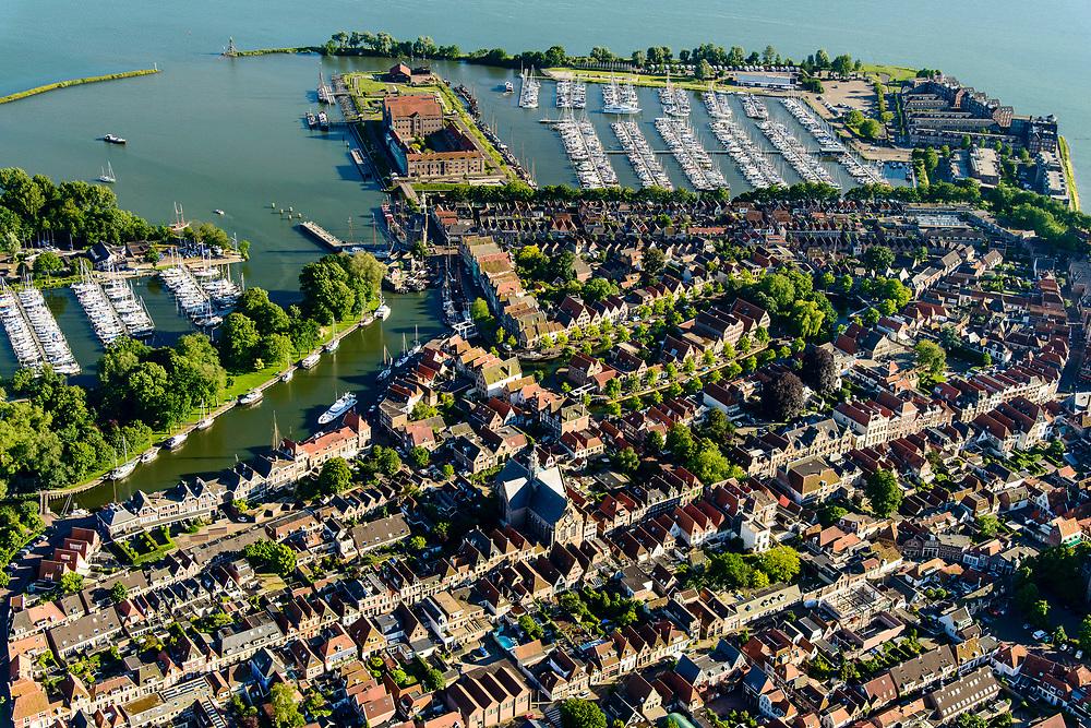 Nederland, Noord-Holland, Hoorn, 13-06-2017; overzicht binnenstad met De hoofdtoren aan de Binnenhaven / Vluchthaven. Oosterkerk, zicht op de Grashaven (jachthaven).<br /> Overview inner city Hoorn.<br /> luchtfoto (toeslag op standard tarieven);<br /> aerial photo (additional fee required);<br /> copyright foto/photo Siebe Swart