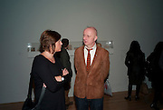 BOB AND ROBERTA SMITH, Susan Hiller opening, Tate Britain. 31 January 2010. -DO NOT ARCHIVE-© Copyright Photograph by Dafydd Jones. 248 Clapham Rd. London SW9 0PZ. Tel 0207 820 0771. www.dafjones.com.
