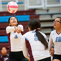 093013       Brian Leddy<br /> Ganado Hornet Mariah Cook (3) returns the ball during Monday's game against Red Mesa.