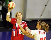 03.12.2008 Ohrid (FYR Macedonia)<br />Norway-Spain European women's handball championship<br />Larsen Tonje(L) Norway and Fernandez Begona(R) Spain <br />Foto:Aleksandar Djorovic