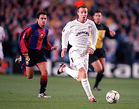Lee Bowyer (Leeds) and Xavi (Barcelona). Leeds United v Barcelona. European Champions League, Group H, 24/10/00. Credit: Colorsport / Andrew Cowie.