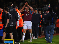 Photo: Daniel Hambury.<br />West Ham United v Fulham. The Barclays Premiership. 23/01/2006.<br />West Ham's Tomas Repka leaves the pitch at Upton P{ark for the last time.