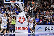 DESCRIZIONE : Campionato 2014/15 Dinamo Banco di Sardegna Sassari - Dolomiti Energia Aquila Trento Playoff Quarti di Finale Gara4<br /> GIOCATORE : Tony Mitchell<br /> CATEGORIA : Tiro Penetrazione Controcampo Fallo Equilibrio<br /> SQUADRA : Dolomiti Energia Aquila Trento<br /> EVENTO : LegaBasket Serie A Beko 2014/2015 Playoff Quarti di Finale Gara4<br /> GARA : Dinamo Banco di Sardegna Sassari - Dolomiti Energia Aquila Trento Gara4<br /> DATA : 24/05/2015<br /> SPORT : Pallacanestro <br /> AUTORE : Agenzia Ciamillo-Castoria/L.Canu