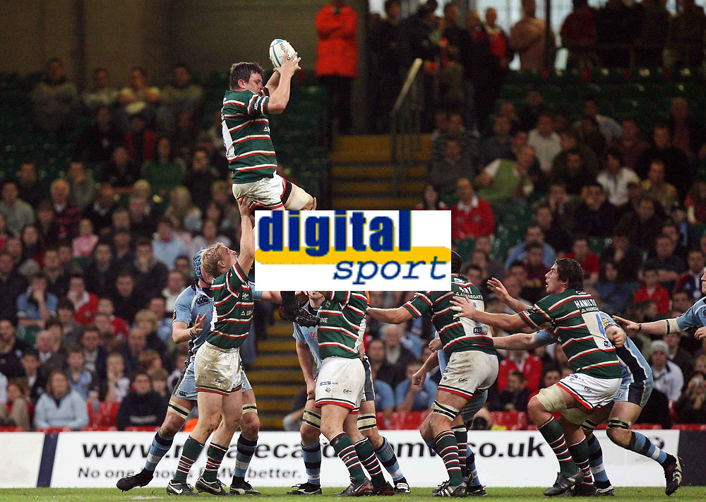 Photo: Rich Eaton.<br /> <br /> Cardiff Blues v Leicester Tigers. Heineken Cup. 29/10/2006. Martin Corry catches lineout ball near the Cardiff Line