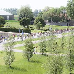 WIELRENNEN, Hoofddorp, Olympias tour peloton in actie in de Haarlemmermeer r