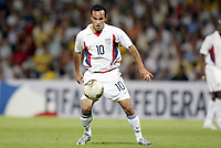 FOTBALL - CONFEDERATIONS CUP 2003 - GROUP B - BRASIL v USA - 030621 - LANDON DONOVAN (USA) - PHOTO JEAN MARIE HERVIO / DIGITALSPORT *** Local Caption *** 40000728