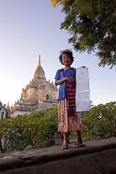 Girl Vendor, Saw Daw Palin Phaya, AD 1203