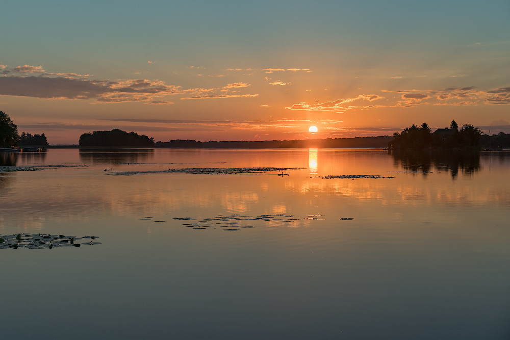 http://Duncan.co/sunrise-over-the-st-lawrence-river/