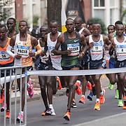 20-10-2019: Atletiek: TCS Amsterdam Marathon: Amsterdam  Beethovenstraat , leading group , km6