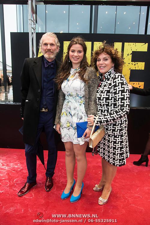NLD/Amsterdam/20140508 - Wereldpremiere Musical Anne, Henriette Tol en partner Rob Snoek en dochter