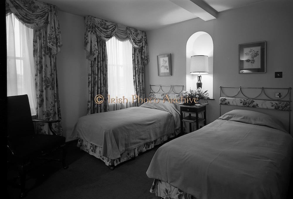 18/2/1966<br /> 2/18/1966<br /> 18 February 1966<br /> <br /> Interiors of Royal Hibernian Hotel Dublin