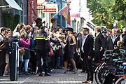 Koning Willem-Alexander en koningin Maxima tijdens de opening van de tentoonstelling Mapping Australia in het Aboriginal Art Museum (AAMU) in Utrecht. Het koningspaar bezoekt de tentoonstelling in aanloop naar de staatsbezoeken aan Australie en Nieuw-Zeeland. <br /> <br /> King Willem-Alexander and Queen Maxima at the opening of the exhibition Mapping Australia in the Aboriginal Art Museum (AAMU) in Utrecht. The royal couple will visit the exhibition in preparation for the state visit to Australia and New Zealand.<br /> <br /> Op de foto / On the photo:  Aankomst Koning Willem-Alexander en koningin Maxima  //// Arrival King Willem-Alexander and Queen Maxima