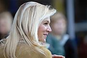 """Prinses Máxima bezoekt jubilerende jongerenzender FunX in de Heineken Music Hall.<br /> <br /> Hare Koninklijke Hoogheid Prinses Máxima der Nederlanden is donderdag 11 oktober aanwezig bij een jongerendebat in de Heineken Music Hall ter gelegenheid van de 5e verjaardag van jongerenzender FunX. In het debat discussiëren middelbare scholieren over het thema """"Jouw Democratie is de Mijne Niet!""""<br /> <br /> Tijdens het debat krreg de prinses te horen dat er op de Amsterdamse ROC een jongen is neergestoken, ze nam daarvoor 1 minuut stilte"""