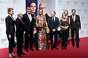 Koning Willem-Alexander en koningin Maxima zijn aanwezig bij de  premierevoorstelling Ode aan de Meester, een eerbetoon aan choreograaf. <br /> <br /> King Willem-Alexander and Queen Maxima are present at the premiere performance Ode aan de Meester, a tribute to choreographer.<br /> <br /> Op de foto / On the photo:  Koning Willem-Alexander en koningin Maxima ontmoeten choreograaf Hans van Manen<br /> <br /> King Willem-Alexander and Queen Maxima meet choreographer Hans van Manen