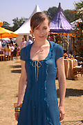 Tara FitzGerald. Veuve Clicquot Gold Cup Final at Cowdray Park. Midhurst. 17 July 2005. ONE TIME USE ONLY - DO NOT ARCHIVE  © Copyright Photograph by Dafydd Jones 66 Stockwell Park Rd. London SW9 0DA Tel 020 7733 0108 www.dafjones.com
