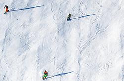THEMENBILD - Skifahrer auf der Piste aufgenommen am 28. März 2017, Zwölferkogel, Saalbach Hinterglemm, Österreich // skier on the slope at the, Zwoelferkogel, Saalbach Hinterglemm, Austria on 2017/04/10. EXPA Pictures © 2017, PhotoCredit: EXPA/ JFK