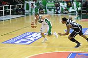 DESCRIZIONE : Avellino Lega A 2013-14 Sidigas Avellino-Pasta Reggia Caserta<br /> GIOCATORE : Cavaliero Daniele<br /> CATEGORIA : palleggio atletica<br /> SQUADRA : Sidigas Avellino<br /> EVENTO : Campionato Lega A 2013-2014<br /> GARA : Sidigas Avellino-Pasta Reggia Caserta<br /> DATA : 16/11/2013<br /> SPORT : Pallacanestro <br /> AUTORE : Agenzia Ciamillo-Castoria/GiulioCiamillo<br /> Galleria : Lega Basket A 2013-2014  <br /> Fotonotizia : Avellino Lega A 2013-14 Sidigas Avellino-Pasta Reggia Caserta<br /> Predefinita :