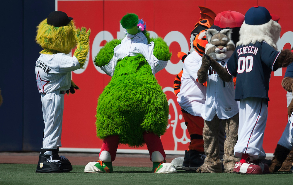 The Philly Phanatic bares all after a mascot group picture before the 2016 Home Run Derby at Petco Park in San Diego on Monday.<br /> <br /> ///ADDITIONAL INFO:   <br /> <br /> derby.0712.kjs  ---  Photo by KEVIN SULLIVAN / Orange County Register  -- 7/11/16<br /> <br /> The 206 MLB All-Star Game at Petco Park in San Diego. <br /> <br /> Villa Park native and former Angel Mark Trumbo competes in the Home-run Derby.