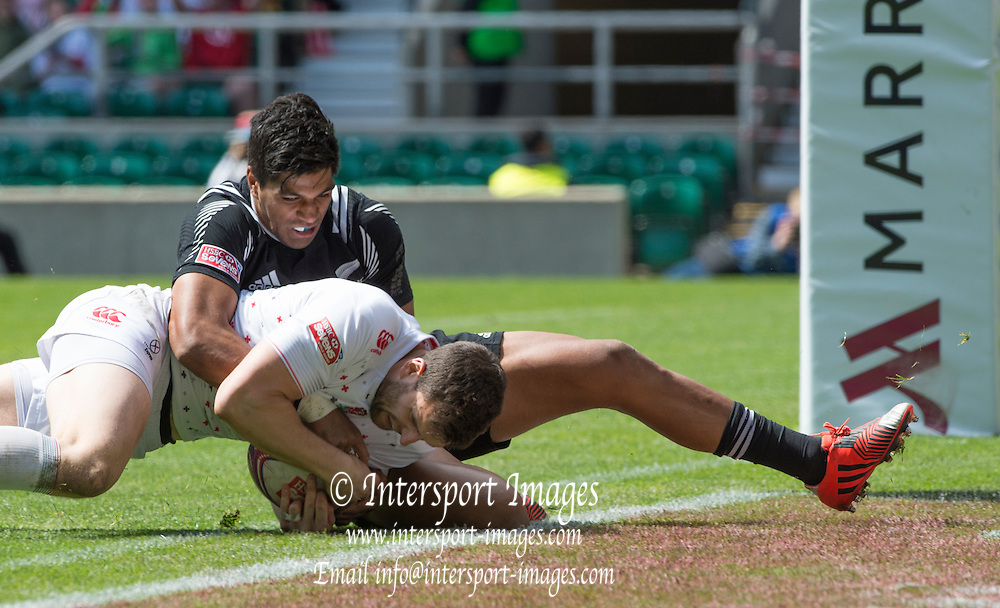 Twickenham, Great Britain, Charlie HAYTER, running in and touching down during the Cup Quarter final  England vs New Zealand, Marriott London Sevens played at the  RFU Stadium, Twickenham, ENGLAND. Sunday 17.05.2015<br /> [Mandatory Credit; Peter Spurrier/Intersport-images]